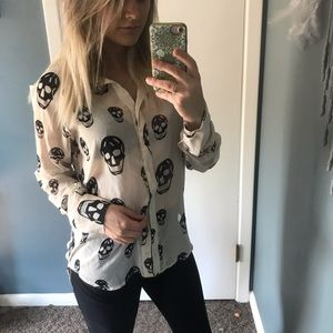 💀 Cute skull button down blouse size large